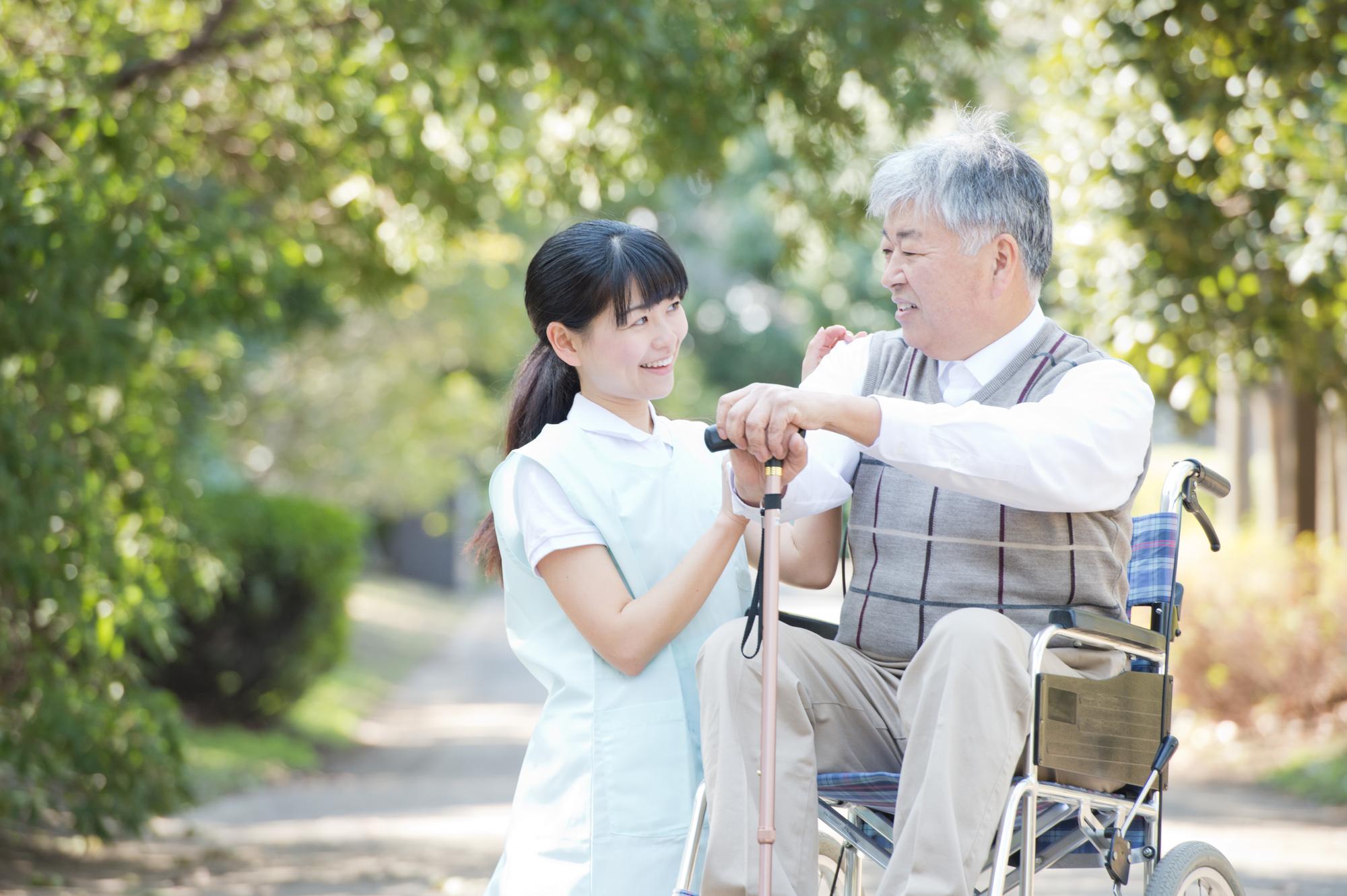 アイキャッチ:認知症介護を支援する福祉用具を選定する際のポイントは?