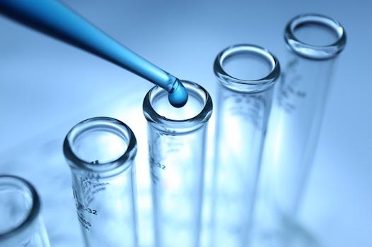 開発中の新薬「アデュカヌマブ」が優先的取り扱いの対象に