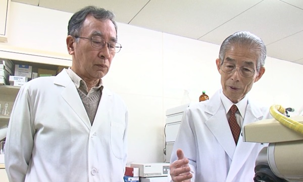 藤野九州大学名誉教授と馬渡レオロジー機能食品研究所所長