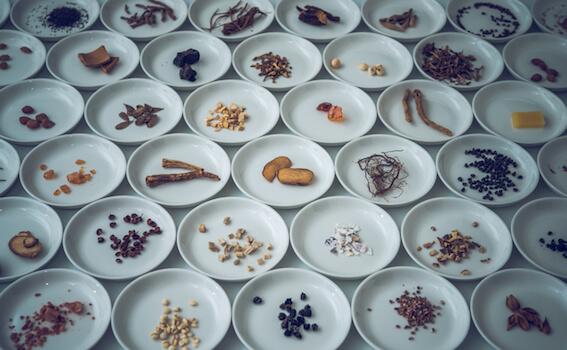 アイキャッチ:和漢薬から新たなアルツハイマー病創薬の可能性