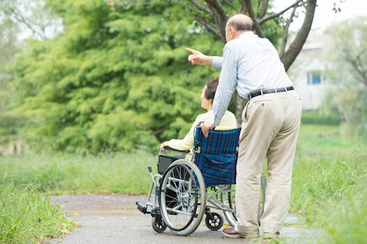 全国調査「介護の主な原因」認知症が初めてトップ