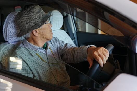 警察庁が提言、認知症などが関係する交通事故防止の方策