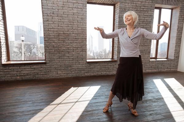 アイキャッチ:ダンストレーニングが脳に与える効果とは?~ドイツの研究より