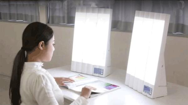 """アイキャッチ:介護保険「デイサービス」にも""""光療法""""導入"""