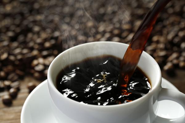 アイキャッチ:カフェインの取り過ぎはアルツハイマー病の症状を悪化させる?