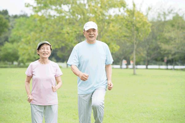 アイキャッチ:歩幅プラス10cmウォーキングで健康寿命をのばそう