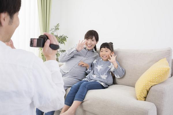 アイキャッチ:家族のメッセージビデオが、せん妄による過活動に及ぼす効果を調べた研究