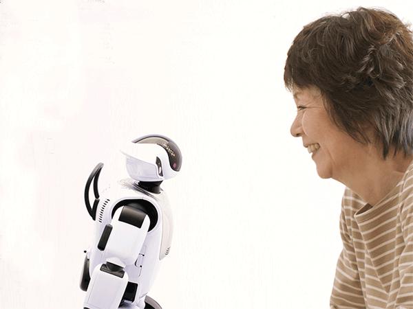 アイキャッチ:「コミュニケーション ロボット PALRO」個人向けにも発売