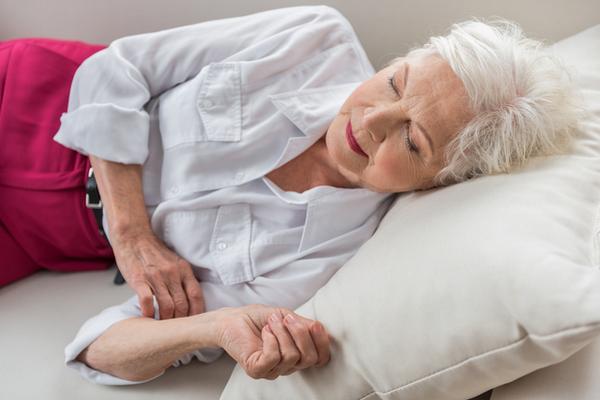 アイキャッチ:昼間に眠気を感じる人ほど脳にアミロイドβが蓄積している