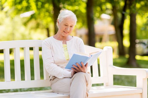 アイキャッチ:読書が長生きにつながることを示した研究