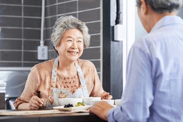 アイキャッチ:高齢者の多くが低栄養!? 「シニア食事日記調査」で見えた課題と対策
