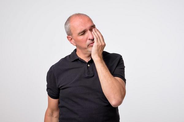 アイキャッチ:歯周病菌がアルツハイマー型認知症に及ぼす影響を調べた研究