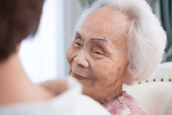 アイキャッチ:山口先生コラム「やさしい家族信託」第3回:80代の2人に1人が認知症?もうすぐ80歳のお母さん。「後見人」をつけないとダメ?
