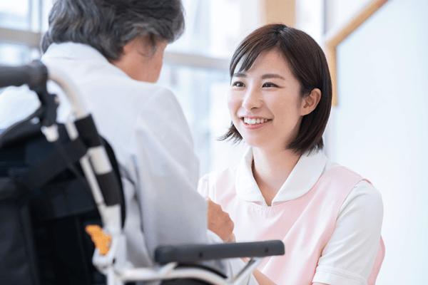 アイキャッチ:『介護助手』の存在を知っていますか?