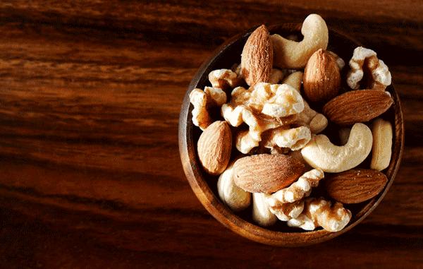 アイキャッチ:ナッツの摂取増加が高齢者の認知機能低下を防ぐ可能性