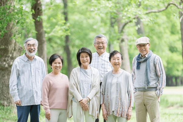アイキャッチ:総人口は減少、65歳以上人口は過去最高~総務省人口推計より